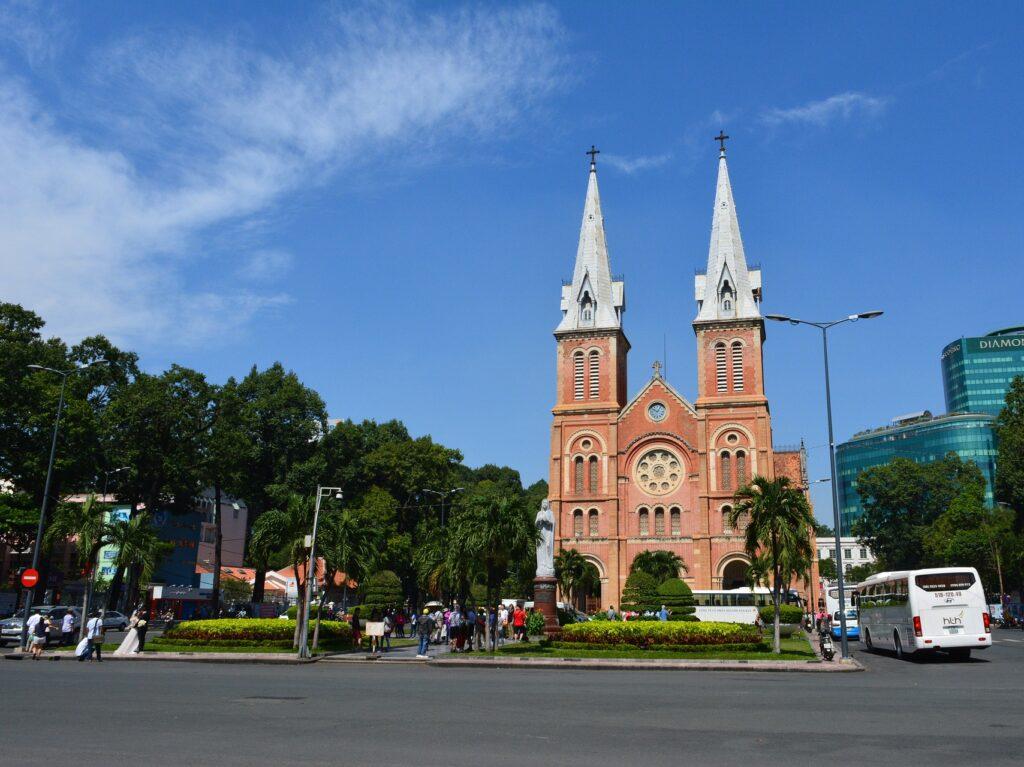 ho chi ming- Saigon - kathedraal - cruisemarkt.eu