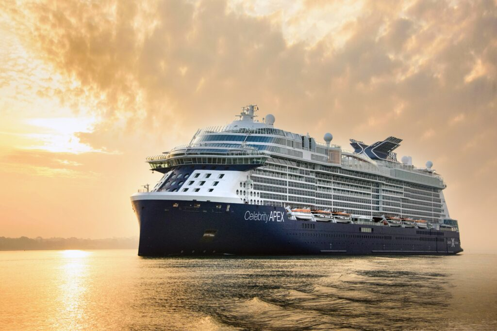 Celebrity Apex op zee